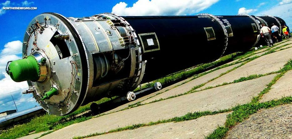 RUSSIA TAUNTS ENGLAND AND EUROPE, BY UNVEILING ITS 'SATAN 2' NUCLEAR-CAPABLE RS-28 SARMATMISSILE